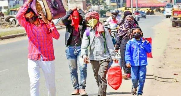 Migrant laborers return home