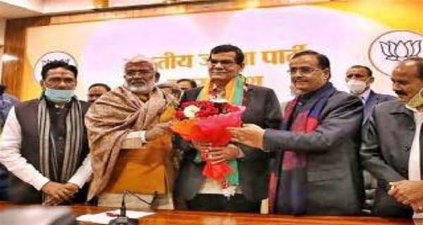 Former IAS AK Sharma became UP BJP state vice president