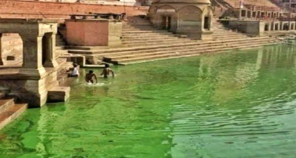 Ganga water in Varanasi changing color