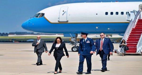 Technical problem with Kamala Harris's plane