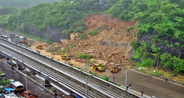 Landslide due to heavy rain in Mumbai