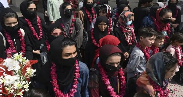 32 women football players from Afghanistan have reached Pakistan