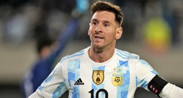Lionel Messi wins hat-trick goal for Argentina