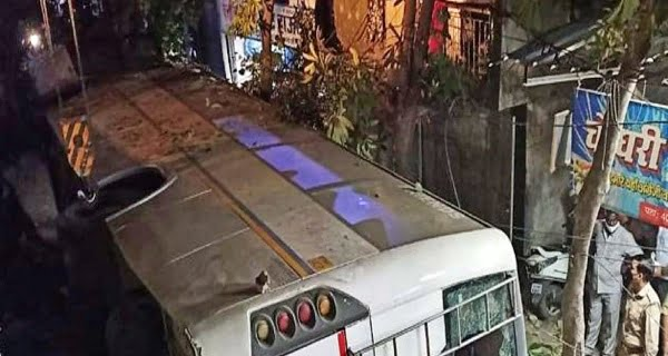 Bus falls from flyover in Ghaziabad