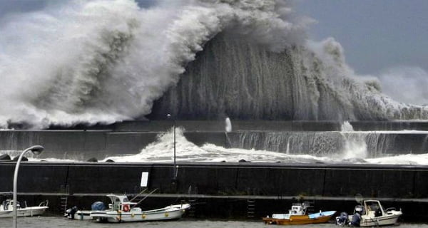 Powerful Storm in Japan